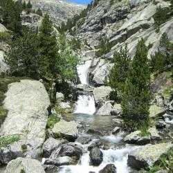 Ibon de Baños y Cascadas del Río Caldares