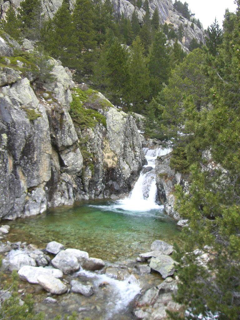 Cascada junto a primer puente