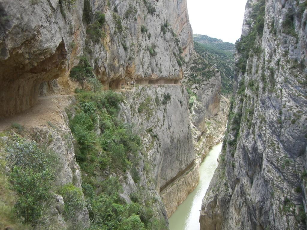 Estrechos del Rió Ebrón en El Cuervo (Teruel)