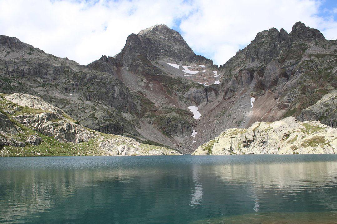 Ibón de Arriel Alto y cima del pico Pallas