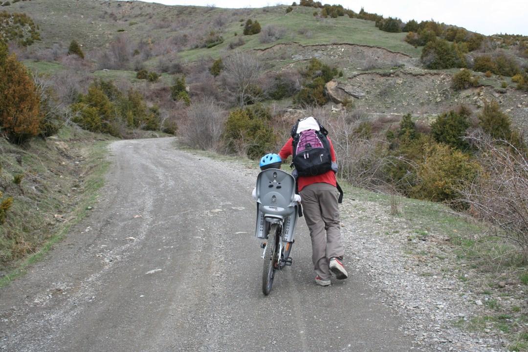 En ocasiones el esfuerzo nos hace bajar de la bici