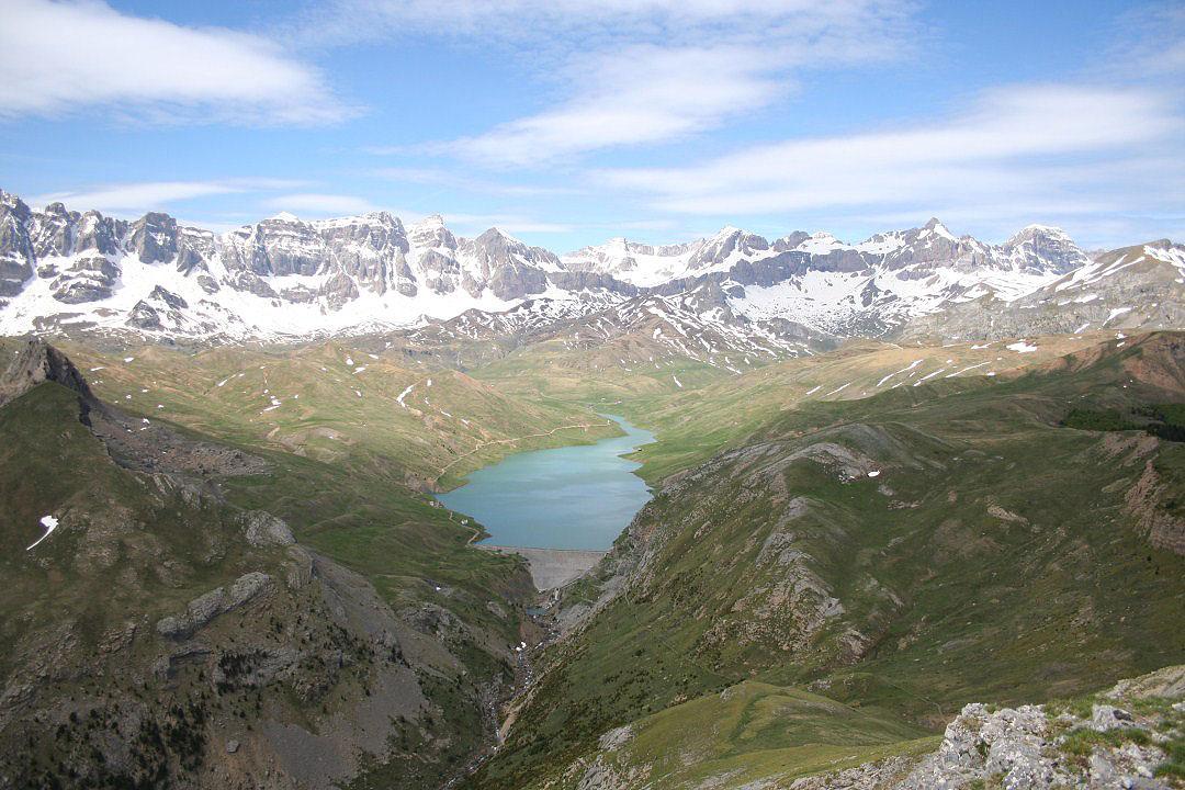 Sierra de la Partacua y Embalse de Escarra