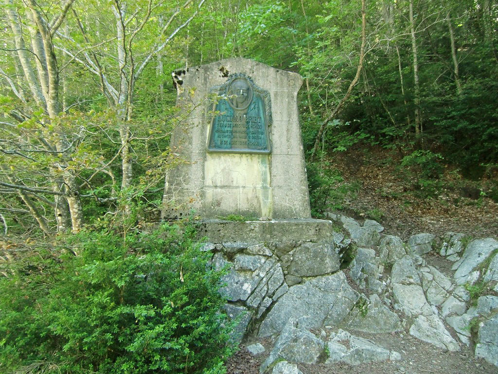 Monumento a Lucien Briet