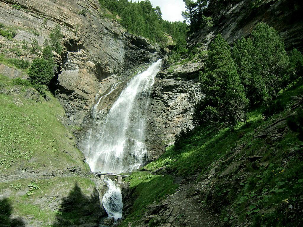 Cascada del Bom o del Barranco de Ardonés