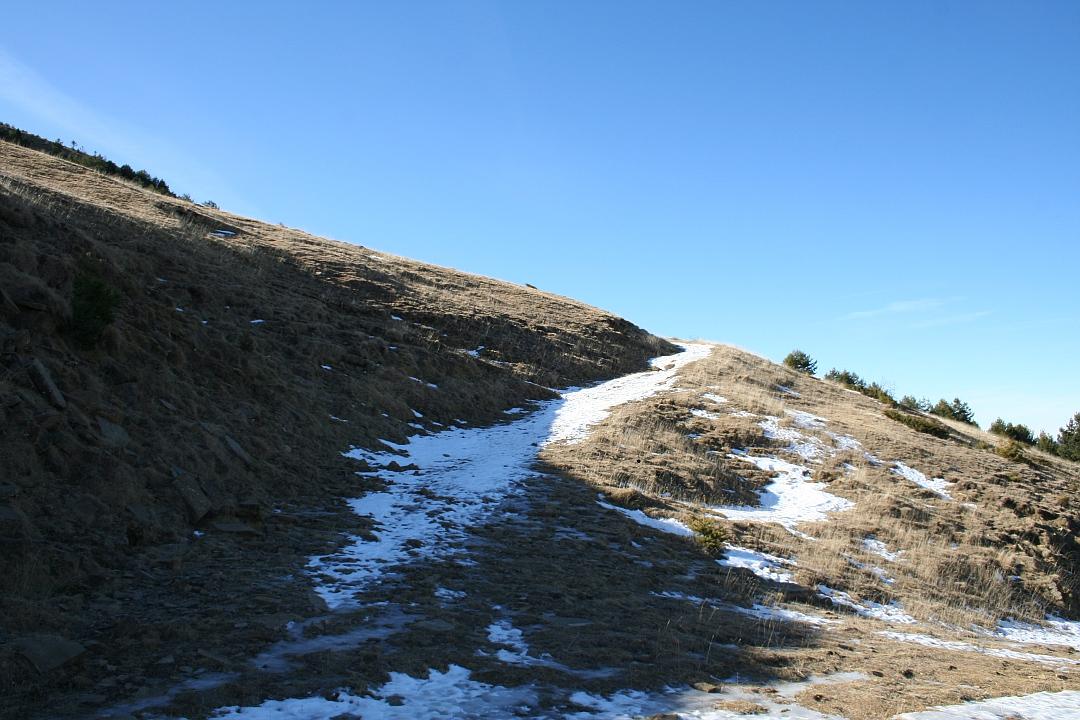 Pista hacia pico Yesero y Erata