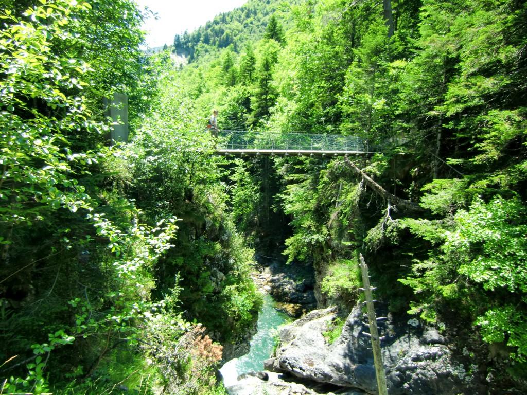 Puente colgante del Burguil