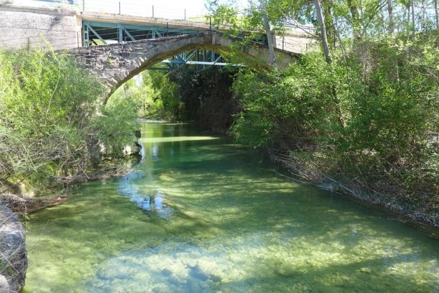 Puente medieval sobre el río Vero
