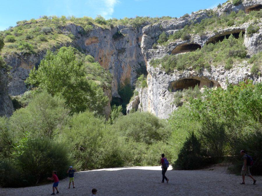 Cauce del río Vero con la desembocadura del Barranco de la Fuente por donde acabamos de descender al fondo.