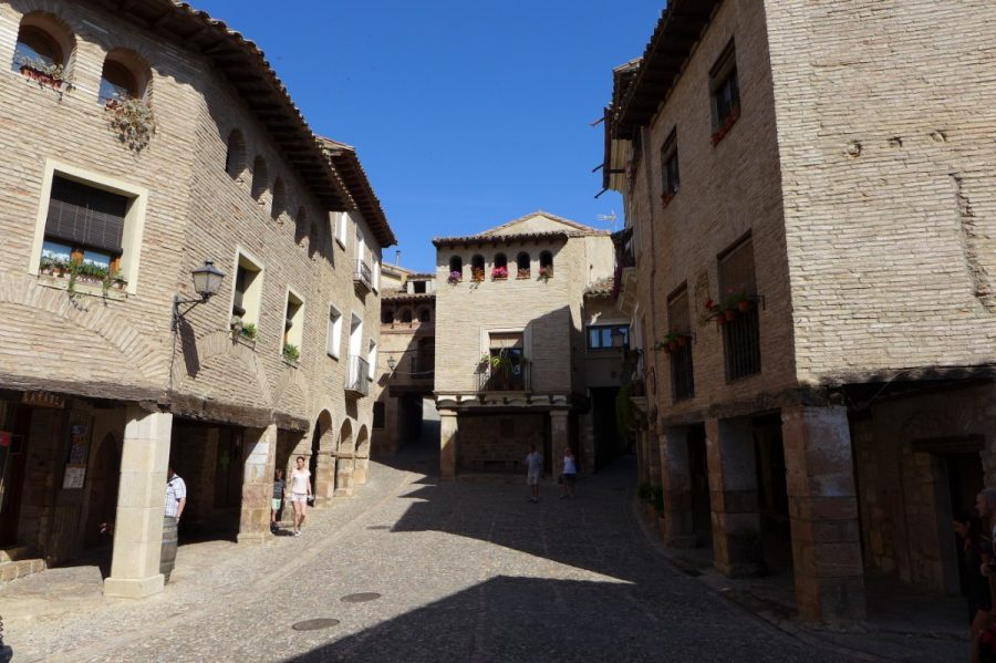 Plaza Mayor de Alquezar
