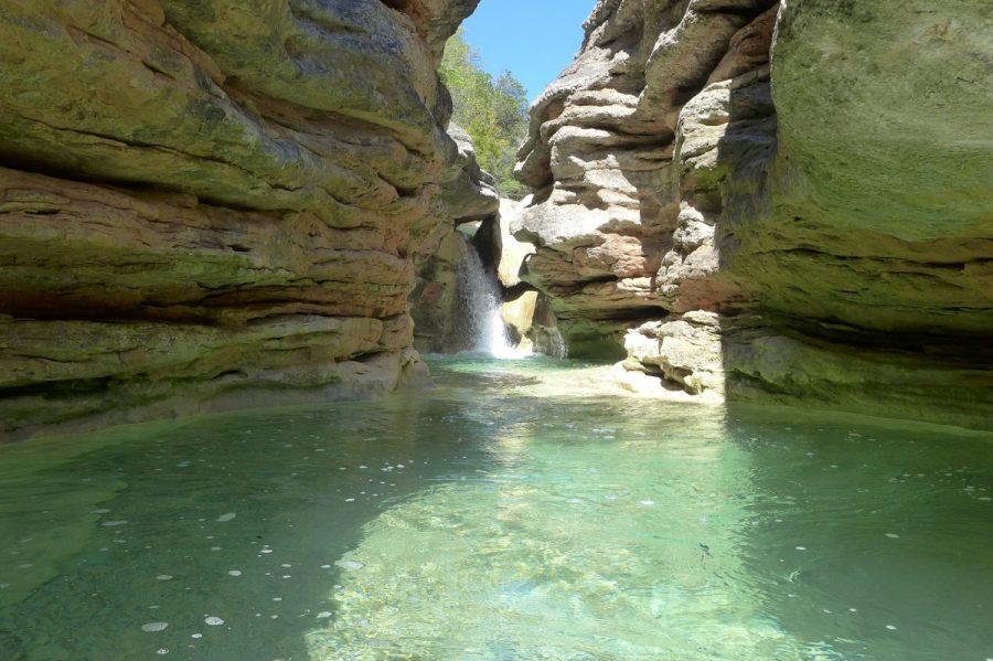 Cascada y badina en el barranco del Formiga