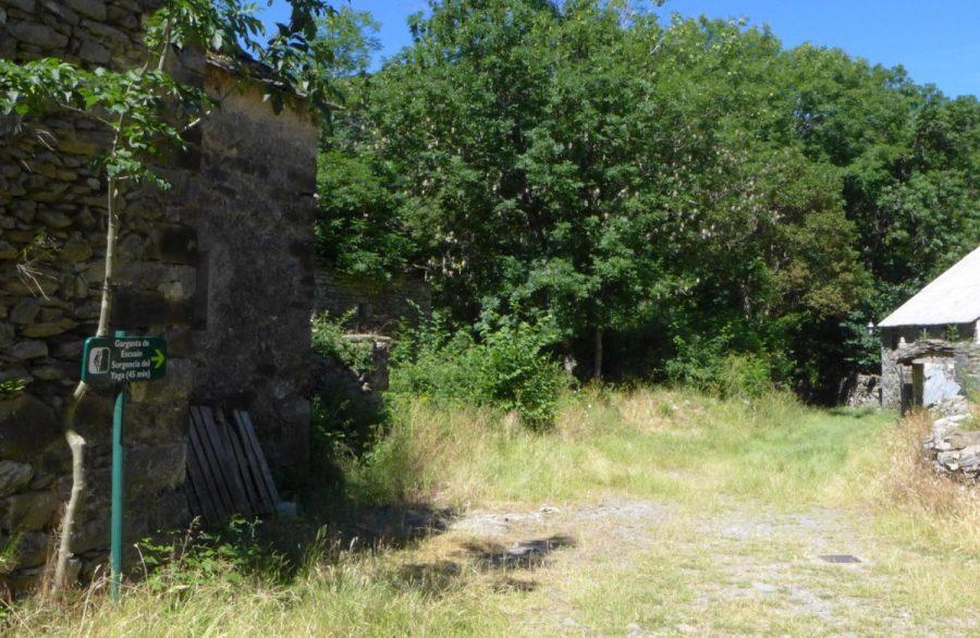Parte trasera de la Iglesia de Escuaín