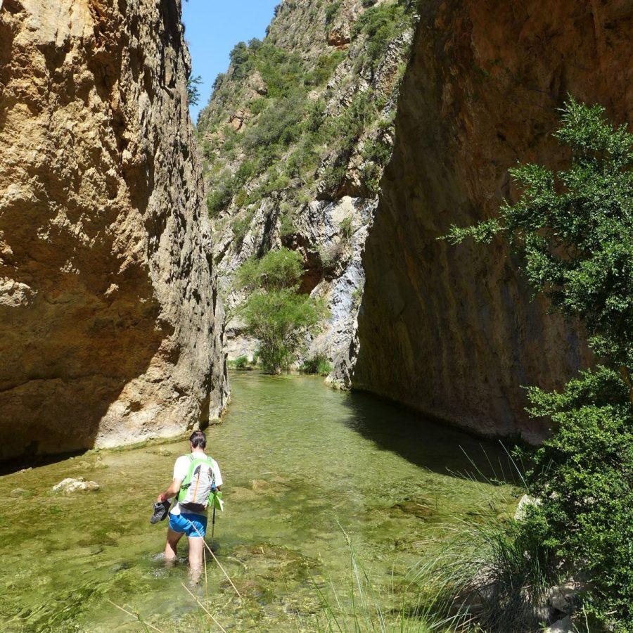 Estrecho en el rio Flumen que es necesario remontar a pie por el cauce