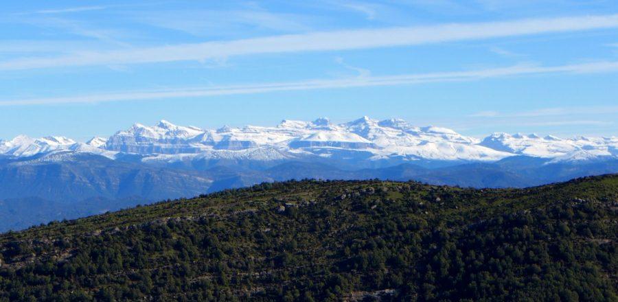 Panorámica del Pirineo desde la cima del Peiró