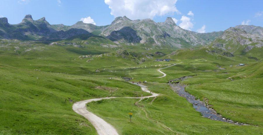 Vistas del Cirque d´Anéou, desde la carretera y punto de inicio de la excursión.