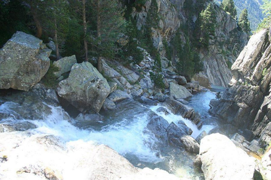 Cascadas sobre el río Caldares